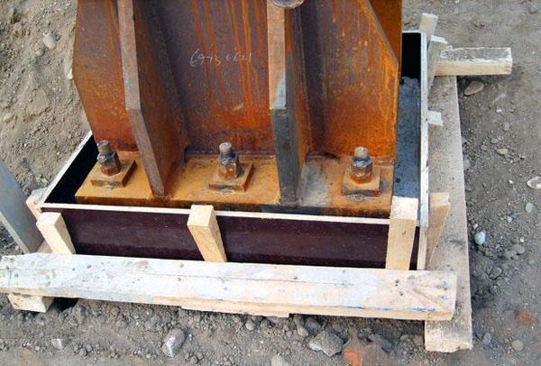 钢结构柱与基础联接的灌浆模板