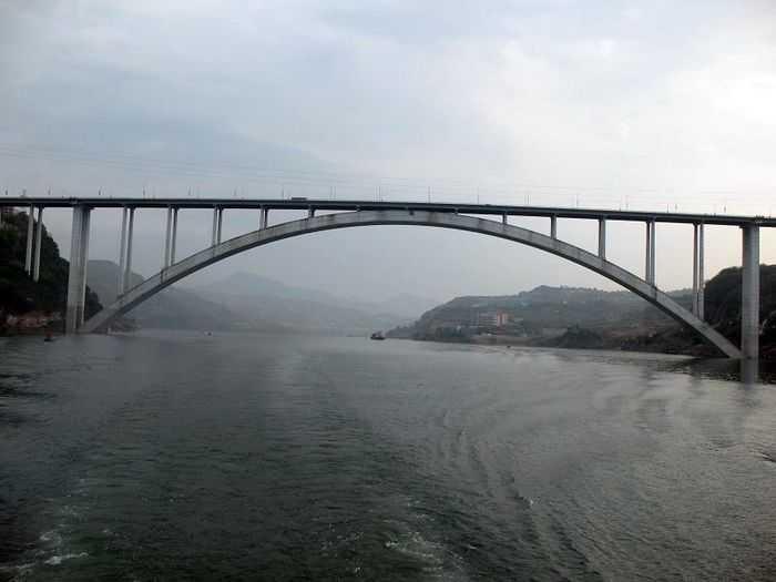 世界最大跨度拱桥 万州长江大桥 公路桥