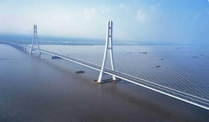 世界第一座弧线形钢塔斜拉桥-南京长江三桥