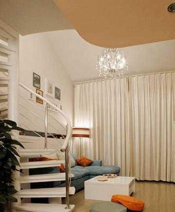 蜗居客厅装出豪宅范儿 - 装修效果图