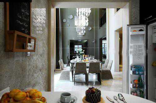 """注入了徽派建筑""""天井""""的元素,可以通过共享的天井来改善室内的采光和"""