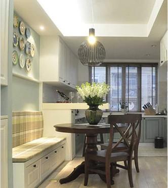小户型复式装修图片:简约淳朴的厨餐厅; 绿植墙体装饰;; 餐厅是原木图片