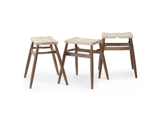 放置上木质折叠椅