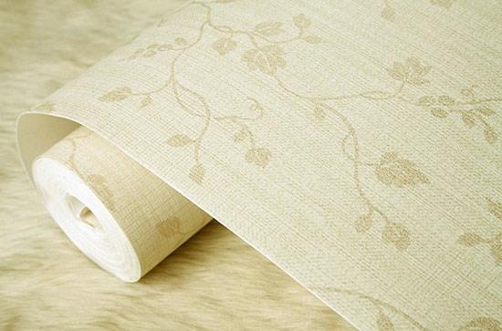 儿童房卧室选用了清新的小碎花壁纸,搭配乳白色的儿童床更显柔嫩可爱